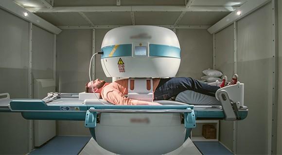 проведение диагностики с помощью мрт