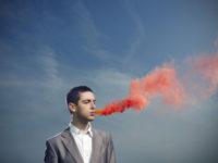 Неприятный запах изо рта у мужчин (галитоз)