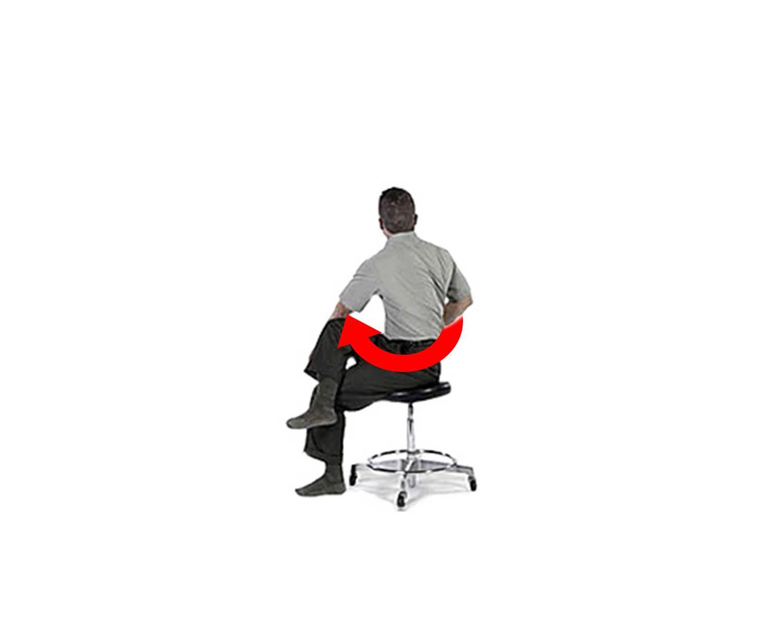 вращающие упражнения нижней части спины сидя на стуле